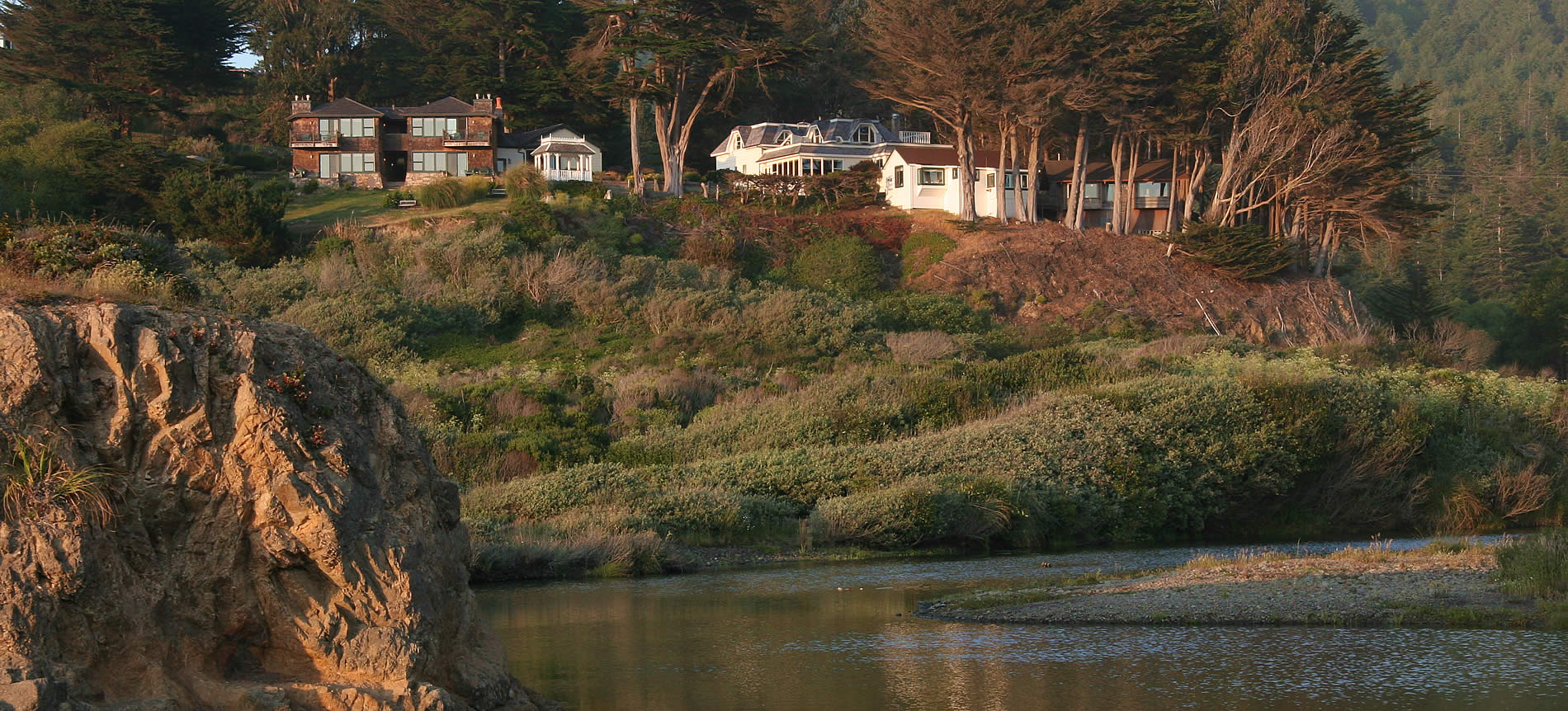 mendocino coast bed and breakfast perched on a hill overlooking ocean