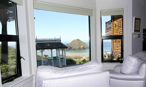elk cove inn oceanfront wavewatcher room on mendocino coast