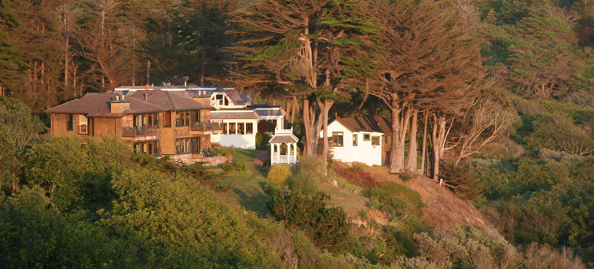 elk cove inn oceanfront bed and breakfast