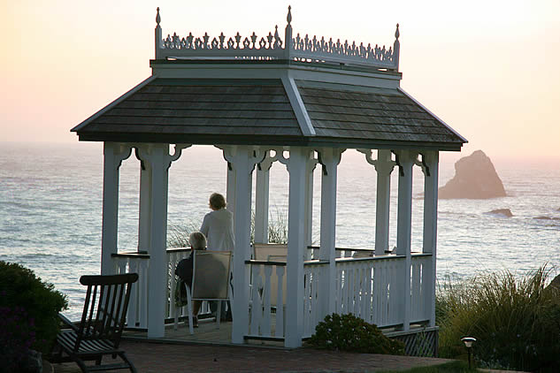 mendocino coast boutique hotel oceanview gazebo